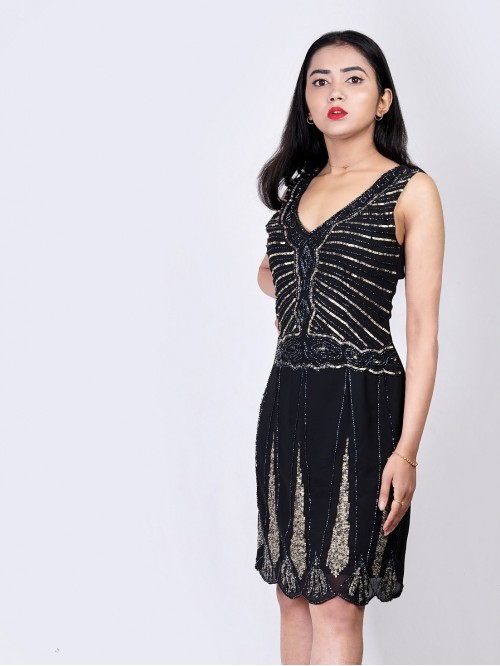 V Neck Sleeveless Embroided Dress